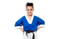 Niño joven sonriente del karate Fotos de archivo libres de regalías