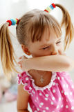Niño juguetón Fotos de archivo libres de regalías