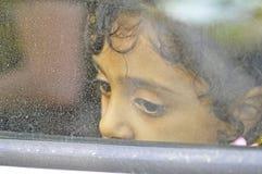 Niño Lesvos Grecia del refugiado Foto de archivo