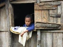 Niño malgache nativo imagen de archivo