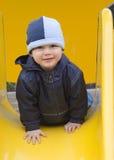 Niño en el patio. Foto de archivo libre de regalías