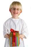 Niño pequeño con el presente fotografía de archivo libre de regalías