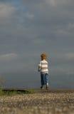 Niño pequeño de la disuasión Imagen de archivo libre de regalías