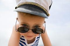 Niño pequeño de la nave imagen de archivo