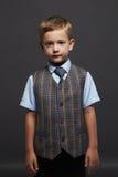 niño pequeño de moda niño elegante en traje y lazo Fashion Children Escuela Imagen de archivo libre de regalías