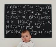 Niño pequeño del Wunderkind en matemáticas Fotografía de archivo