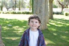 Niño pequeño divertido Imagenes de archivo