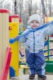 Niño pequeño en el patio Imágenes de archivo libres de regalías