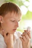 Niño pequeño enfermo Foto de archivo libre de regalías