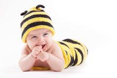 Niño pequeño feliz lindo en traje de la abeja Fotografía de archivo libre de regalías