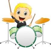 Niño pequeño lindo que juega el tambor stock de ilustración