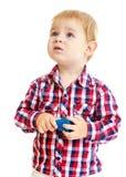 Niño pequeño que mira para arriba Fotografía de archivo