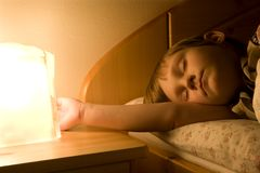 Niño por sueño Fotos de archivo