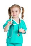 Niño que juega al doctor imagen de archivo