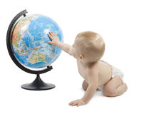 Niño que juega con el globo Fotografía de archivo