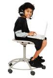Niño que usa Internet Fotografía de archivo