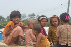 Niño sin hogar de Rohingya fotografía de archivo