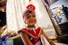 Niño vestido para arriba para Kandy Esala Perahera Foto de archivo libre de regalías