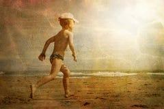Niño y el mar Foto de archivo libre de regalías