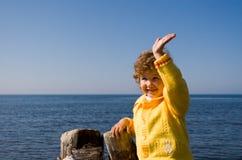 Niño y mar Foto de archivo libre de regalías
