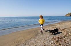 Niño y mar Fotografía de archivo