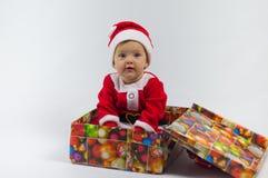 Niño y regalo Fotografía de archivo