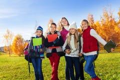 Niños adolescentes tempranos después de la escuela Imagen de archivo