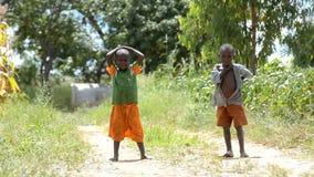 Niños africanos almacen de metraje de vídeo