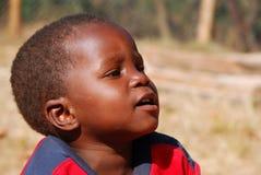 Niños africanos que sufren de virus SIDA en el pueblo de Pom Foto de archivo libre de regalías
