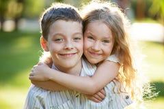 Niños al aire libre en el verano Foto de archivo libre de regalías