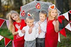 Niños con la decoración foto de archivo