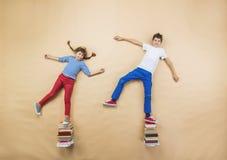 Niños con los libros Imagen de archivo libre de regalías