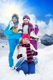 Niños con los patines de hielo Foto de archivo libre de regalías