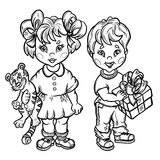 Niños con un cachorro de tigre del juguete y un rectángulo de regalo. Fotografía de archivo