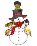 Niños con un muñeco de nieve Imagen de archivo
