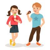 Niños de la historieta que comen el helado ilustración del vector