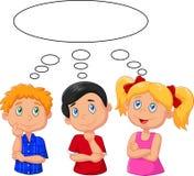 Niños de la historieta que piensan con la burbuja blanca stock de ilustración