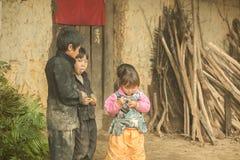 Niños de la minoría étnica del grupo Fotos de archivo libres de regalías