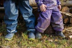 Niños de las botas de goma Imagenes de archivo