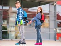 Niños de nuevo a escuela Foto de archivo libre de regalías