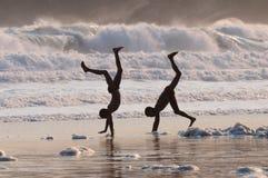 Niños del Cartwheel Foto de archivo libre de regalías