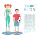 Niños del deporte Forma de vida sana Muchacha y muchacho físicamente activos Fotos de archivo libres de regalías