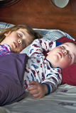 Niños durmientes Imagen de archivo