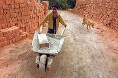 Niños en el Brick-field Foto de archivo
