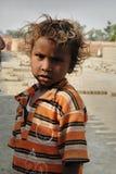 Niños en el Brickfield en la India Imagenes de archivo