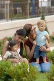 Niños en el parque 33 fotografía de archivo