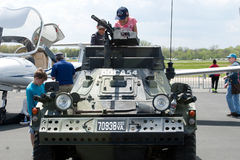 Niños en el tanque Imagen de archivo libre de regalías