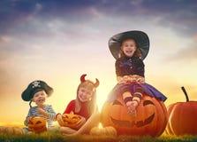 Niños en Halloween Fotos de archivo