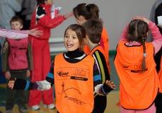 Niños en la competición del atletismo de IAAF Kidâs Fotografía de archivo libre de regalías