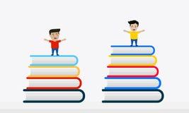 Niños en la pila de libros coloridos Imagen de archivo libre de regalías
